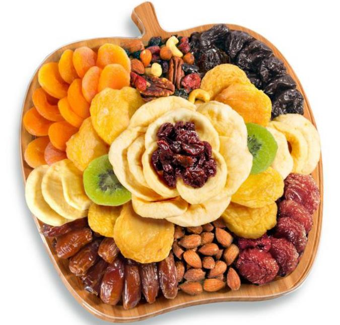 Apple-shaped dry fruit platter