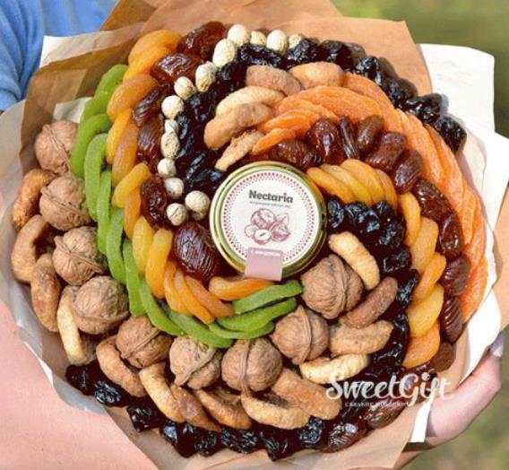 Pinwheel platter of Dry fruits