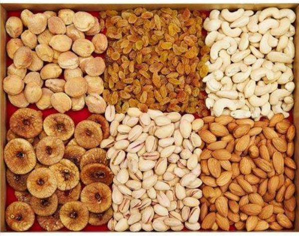 Square Dry fruit arrangement in Rectangle Tray